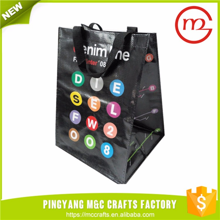 Cheap promotional fashion folding style and polyester material foldable shopping bag