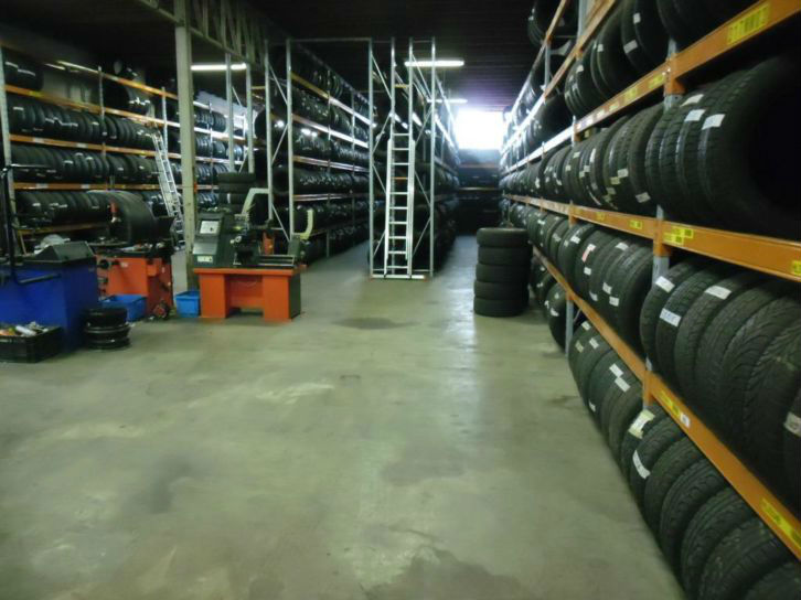 wholesale export Used Tyres / Tires Single and Pair Tires mixed from 17 to 22 inches from 4mm+ to 7mm+ are 12euro per / tire