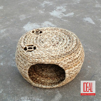 2017 new design eco-friendly natural water hyacinth pet bed/pet house/pet hammock bed