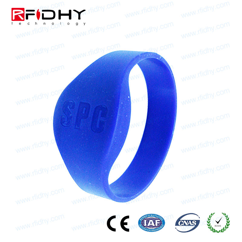 Powered Easy to fasten rfid silicone bracelet for Conferences and Exhibitions