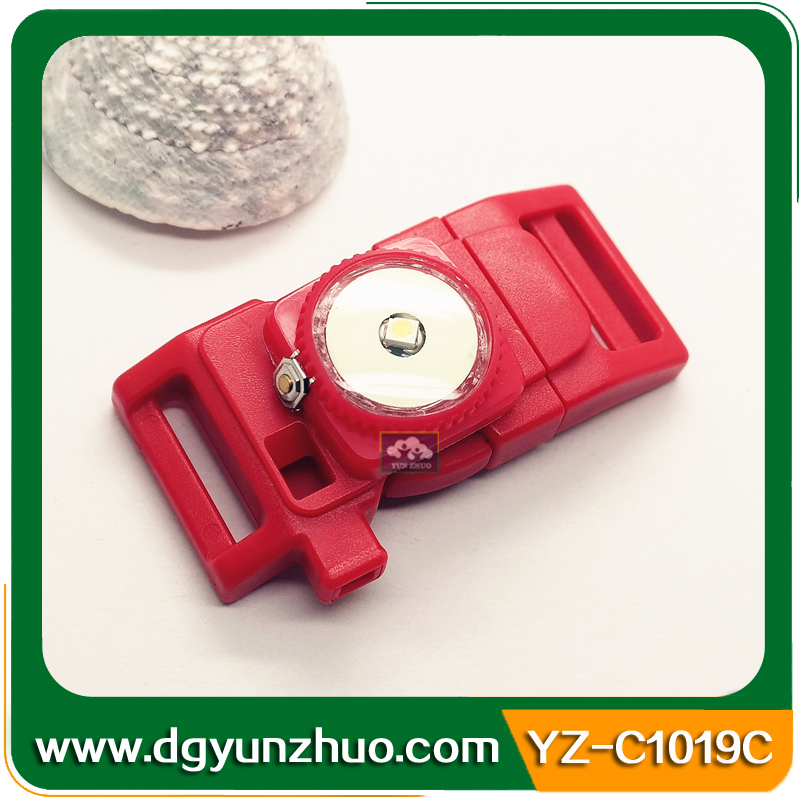 Nigh-luminous whistle buckle with firesteel, LED light whistle buckle