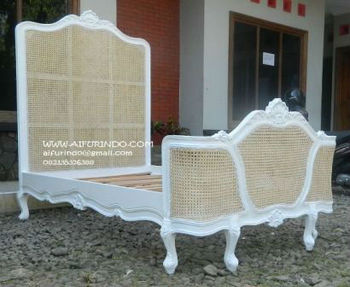 french classic ANTIQUE BED furniture indonesia- CODE DSCN3571- french antique COLONIAL BED furniture indonesia