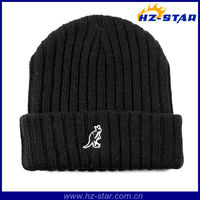 HZM-10498 double layer kangaroo warmer cheap knit custom fitted hats with embroidered
