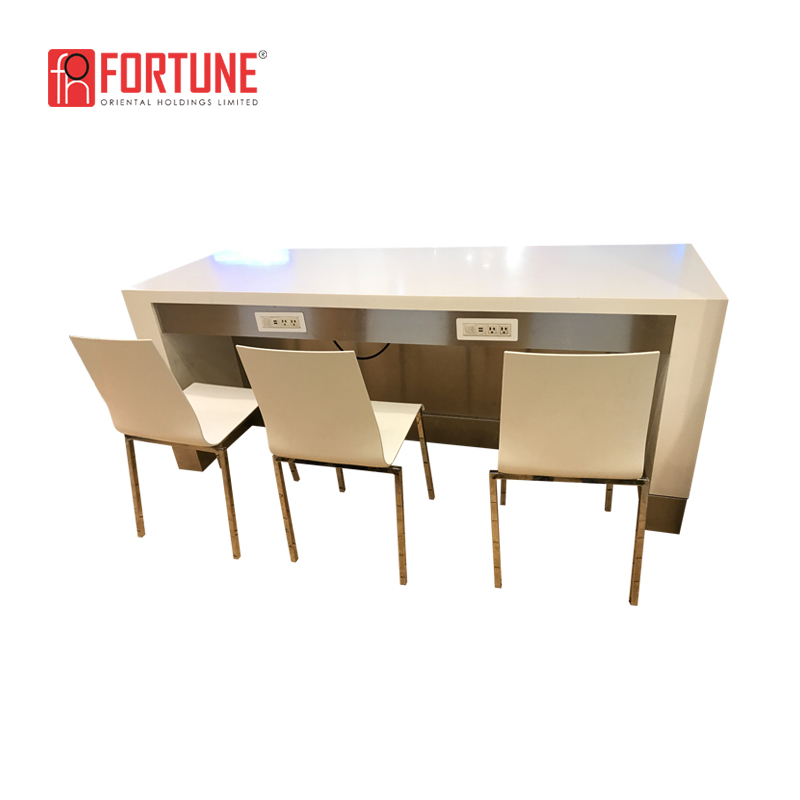 Solid surface high table with electrical outlet coffee shop bar table FOH-17093TY