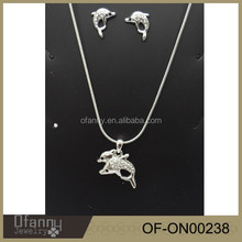 factory sell latest fashion dolphin necklace,dolphin shaped jewelry,fish necklace