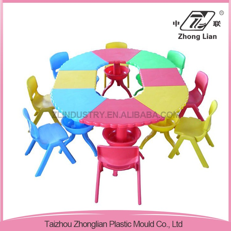 Durable easily assembled plastic cheap colorful garden child table