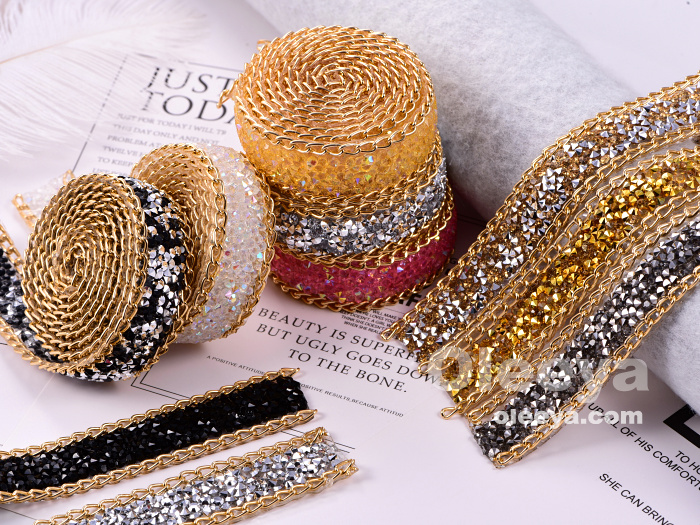 Wholesale Iron On Rhinestone Chain Trimming Bridal Sash Garment Accessories Rhinestone Banding For Wedding Dress