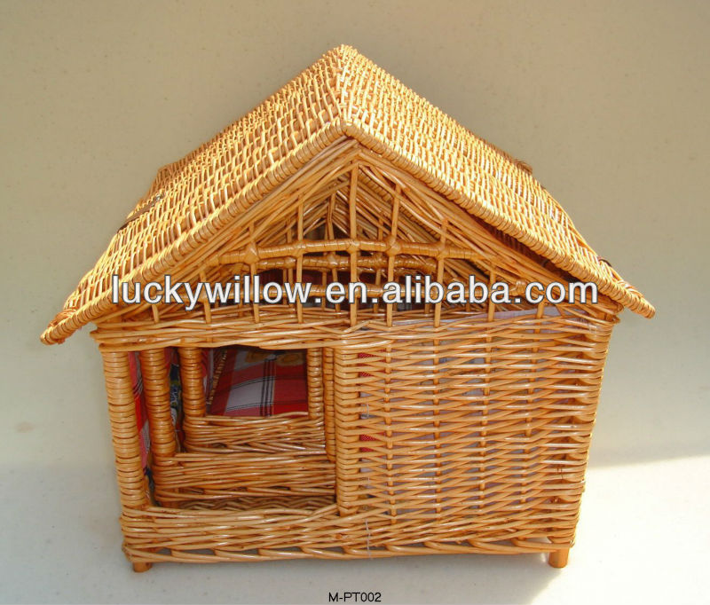 Exquisite and durable wicker pet house