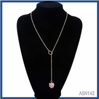 Wholesale newest flower design luxuey strawberry crystal pendant custome vogue jewelry gold chain bead necklace single strand