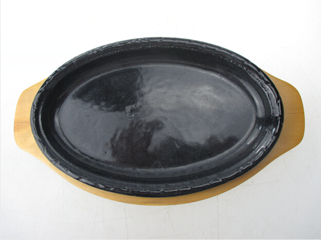 cast iron sizzler plate with wooden base