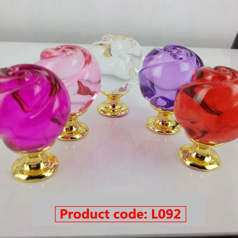 Factory Supply unique design acrylic crystal furniture handles and knob on sale