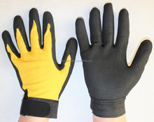 CE EN388 Conform Sandy Nitrile Palm Coated On Yellow Polyester or Spandex Light Engineering Work