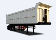 Dump trailer with triple-axle