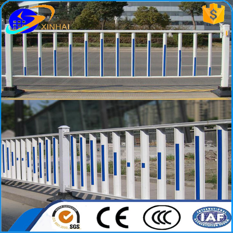 whiite color plastic coated metal road crash barrier