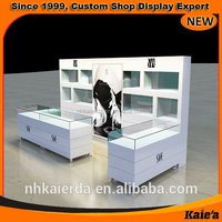 Appealing glass ring display kiosk