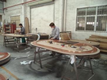 Assembling (Poker Table)