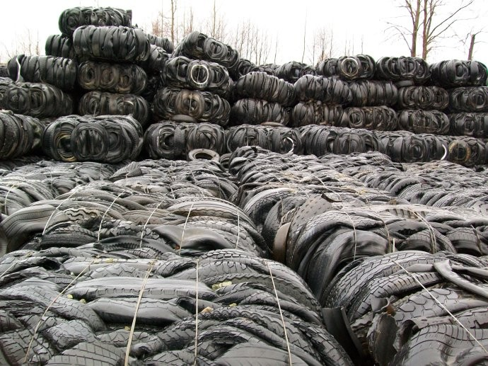 Promotions 10 tons waste tire recycling to diesel line