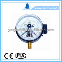 Electric contact bourdon tube pressure gauge