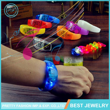 Party supplies High quality Customize Sound Activated Silicone Flashing LED light bracelet remote controlled bracelet