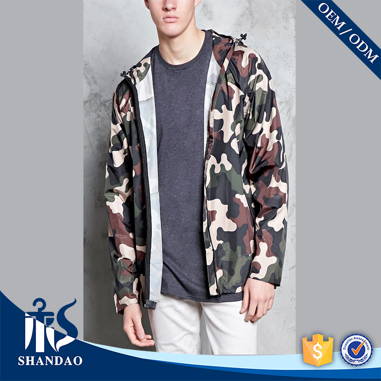 Guangzhou Men Windbreaker Camo Print Drawstring Hood Hem Front Zipper Pockets Long Sleeve Autumn OEM Trendy Bulk Field Jacket