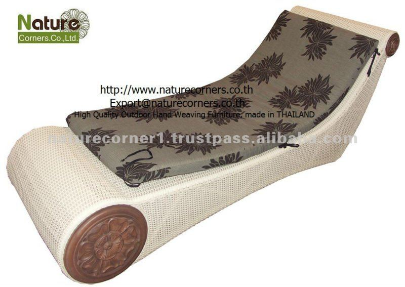 TF0813 Luxury outdoor rattan chaise lounger daybed.