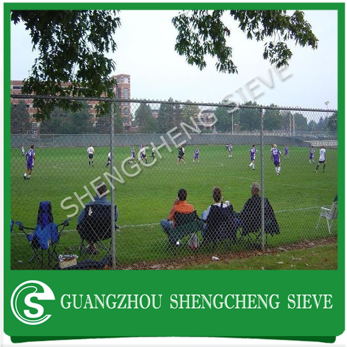 Standard 3m height outdoor soccer field fence cyclone fencing