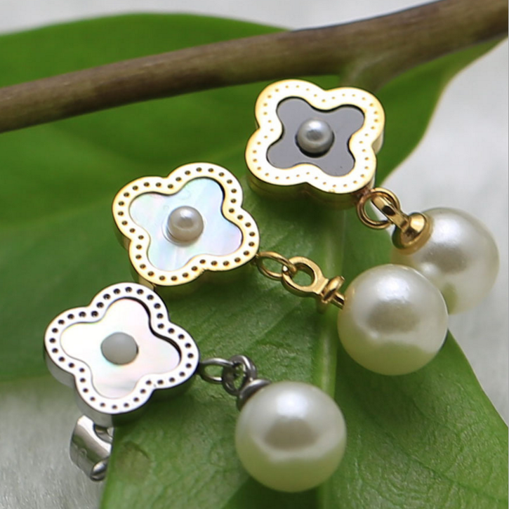 Hot Taobao High Quality Farmhouse Style Stainless Steel Black Silver Fashion Four Leaves Flower Pearl Earring