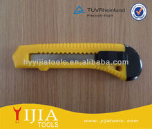 Safety auto retractable plastic cutter knife
