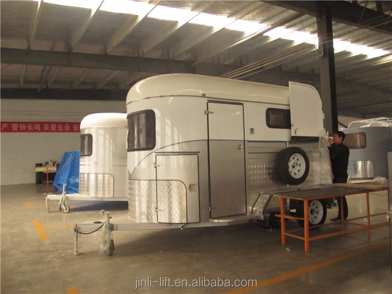 2HSL-D 2 horse trailer straight load with kitchen