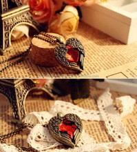 HS003 Heart Shape Red Rhinestone Angel Wings Vintage Necklace