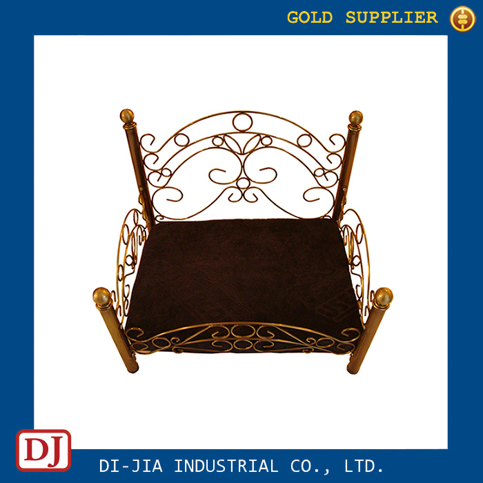 Antique Style Luxury Design Metal Pet Dog Bed