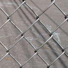 Cyclone wire fence supplier, Chain Link Fence Packed in Roll/ Philippine Market cyclone wire