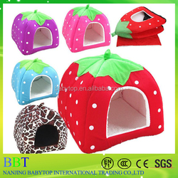 Pet Products Cotton strawberry shaped cheap foldable fruit pet bed