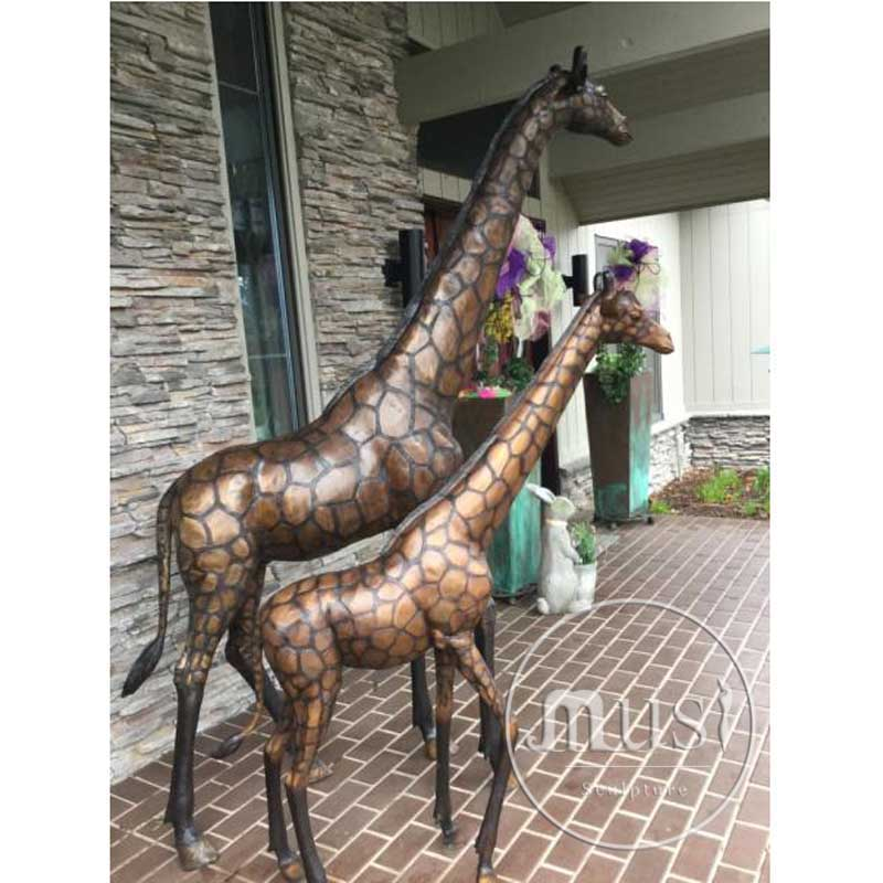 High Quality Outdoor Metal Craft Life Size Classical Bronze Giraffe Statue