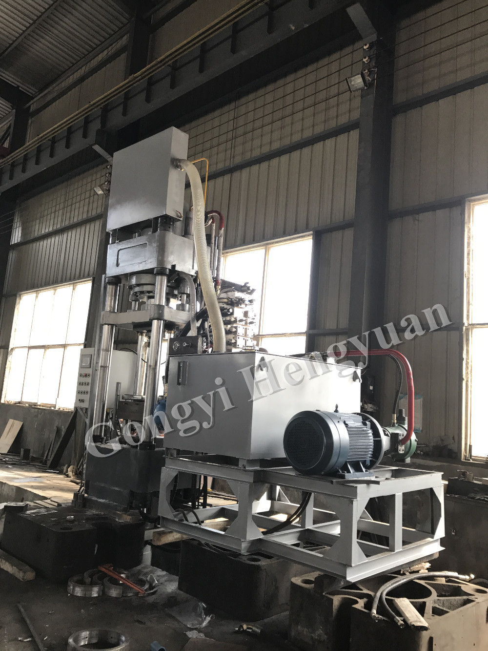 Factory Direct Sale Animal Mineral Salt Molasses Feed Block Making Machine 0086 18703886379