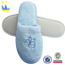 comfortable embroidered design hotel indoor slippers disposable