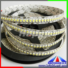 Blanc chaud 3528 240 <span class=keywords><strong>Led</strong></span>/m <span class=keywords><strong>Bande</strong></span> 3528 <span class=keywords><strong>Led</strong></span> Lumière de <span class=keywords><strong>Bande</strong></span>