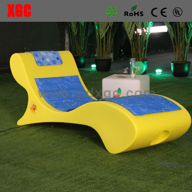 Light Weight Outdoor Casual Deck Chair Modern Design In-water Pool Funiture Leisure Sun Lounger