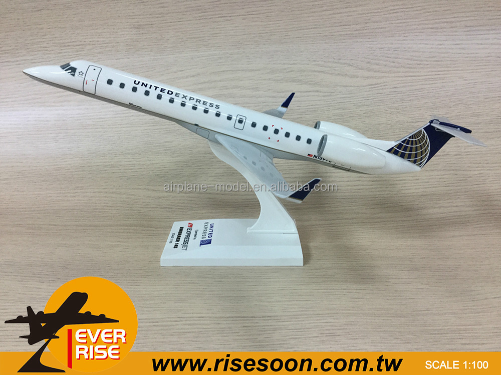 EMBRAER E145 UNITED EXPRESS JET Scale 1:100 Plastic Model Plane
