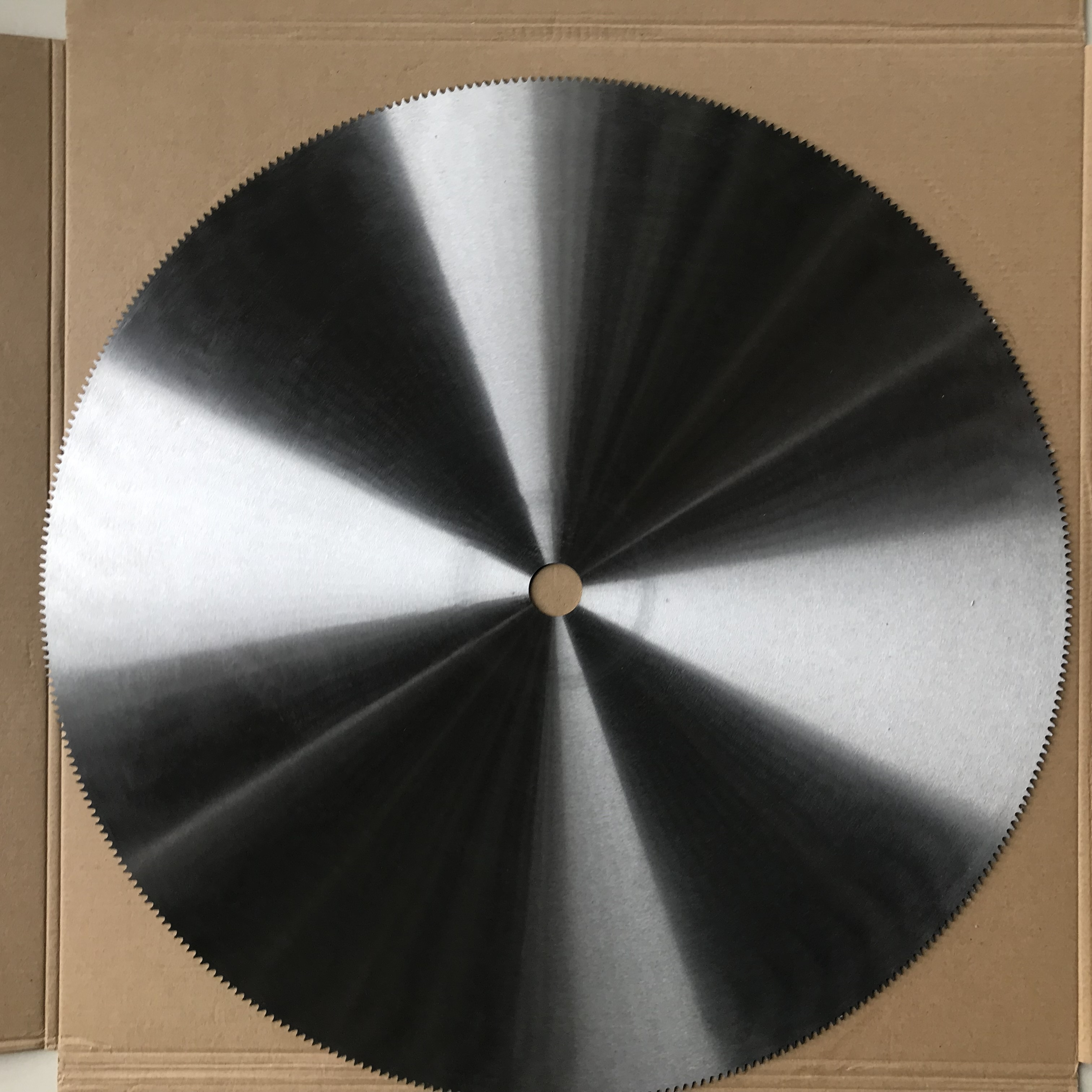 600mm Circular <strong>friction</strong> saw blades HSS saw blade for <strong>PVC</strong> cutting and pipes and structural shapes