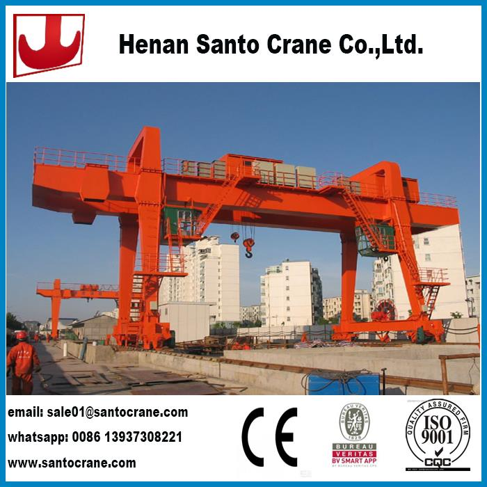 Industrial boat lifting gantry crane with electric hoist