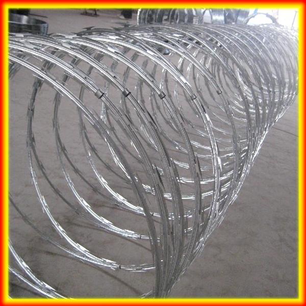 900 mm Coil Diameter BTO 22 Galvanized Razor Wire