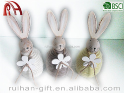2016 new style wood decoration rabbits with flowers