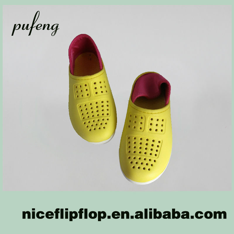 Factory direct sale cheap latest yellow color fashion boy operating room clogs
