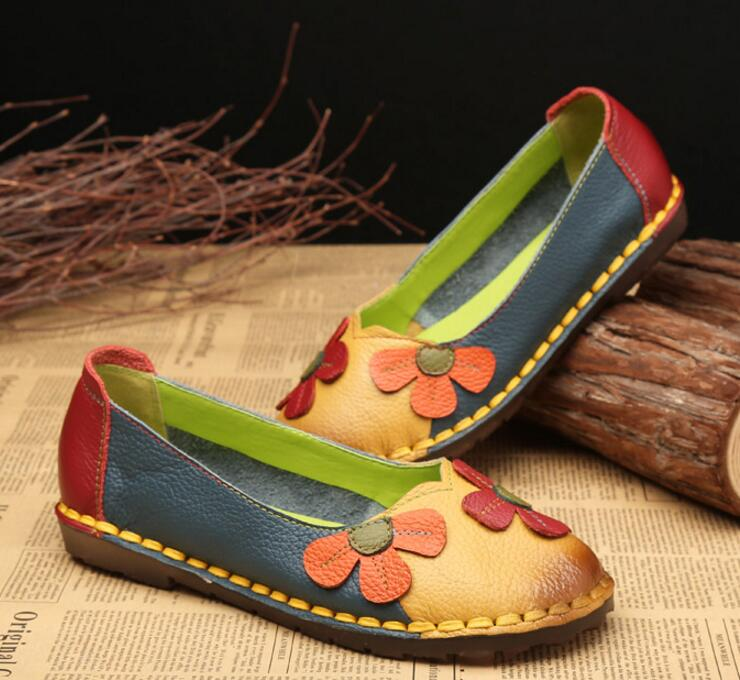 XGRAVITY 2018 NEW Fashion Flower Design Round Toe Mixed Color Flat Shoes Vintage Genuine Leather Woman Floral Lady Loafers C001