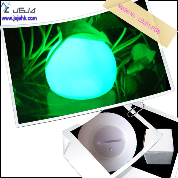 waterproof IP68 7 color RGB LED ball /led flashing golf balls wholesale