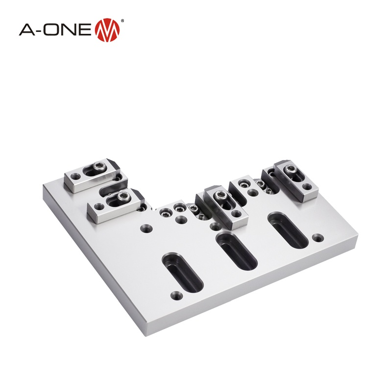 Wire cutting machine clamping vice for injection moulding
