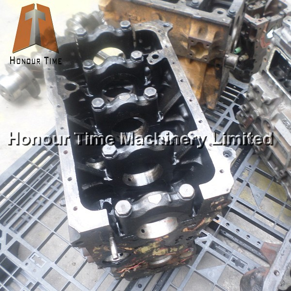 4BD1 Original Used Engine Cylinder block for engine parts