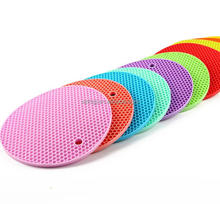 Heat resistant silicone placemats for round tables