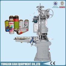 Aerosol/spray vacuum sealing machine for cans